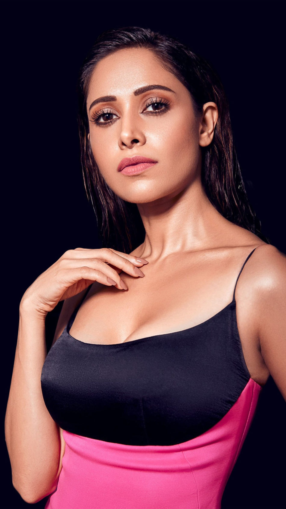 Actress Nushrat Bharucha 2020 4K Ultra HD Mobile Wallpaper
