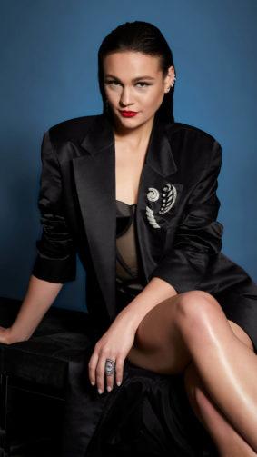 Actress Sophie Skelton 4K Ultra HD Mobile Wallpaper