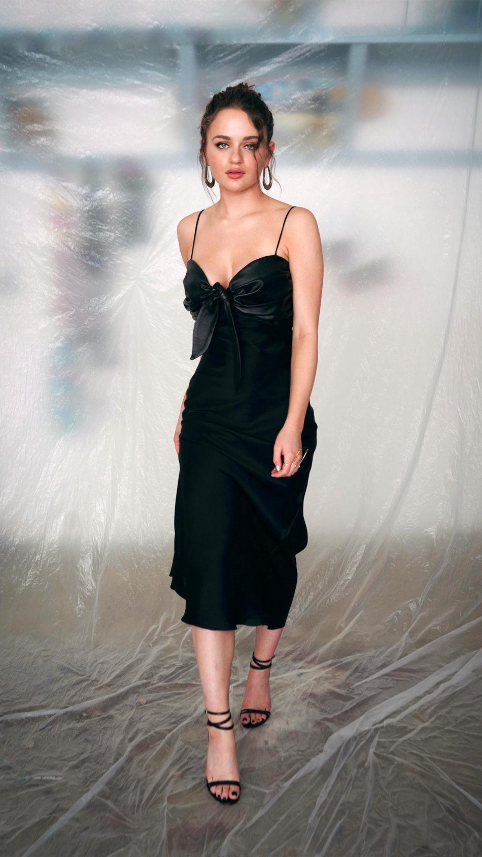 Beautiful Joey King In Black Dress 4K Ultra HD Mobile Wallpaper