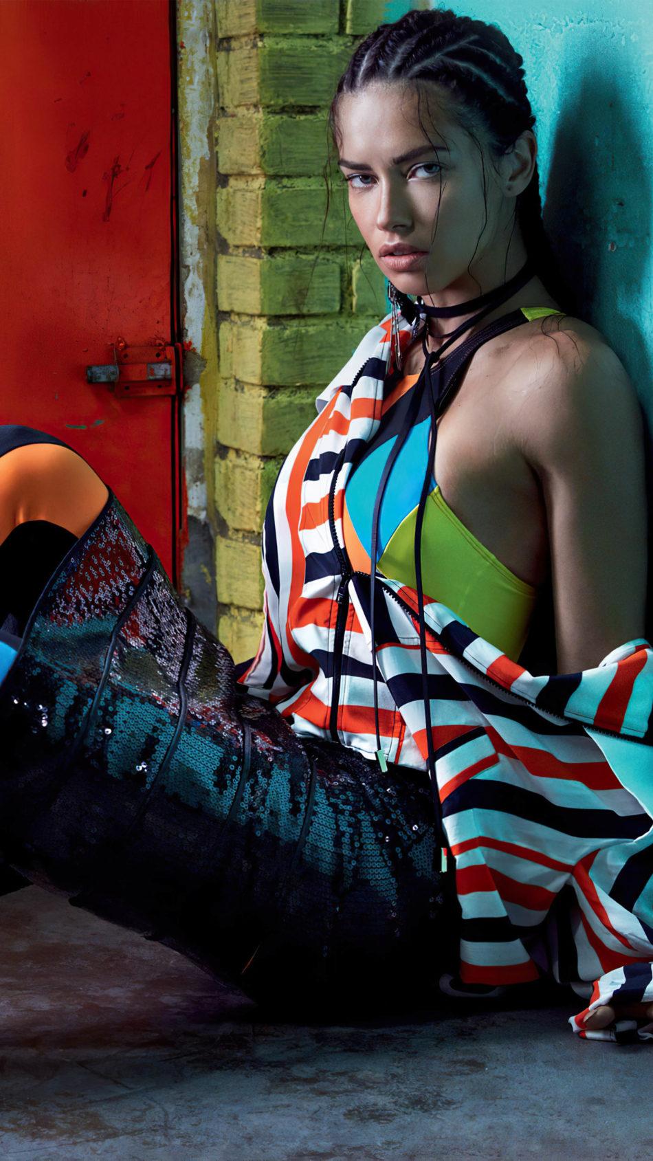 Model Adriana Lima 2020 4K Ultra HD Mobile Wallpaper