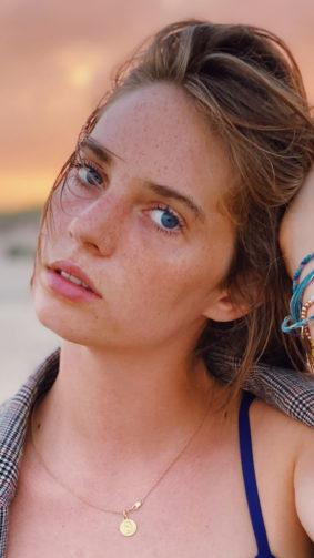 Actress Maya Hawke 2020 4K Ultra HD Mobile Wallpaper