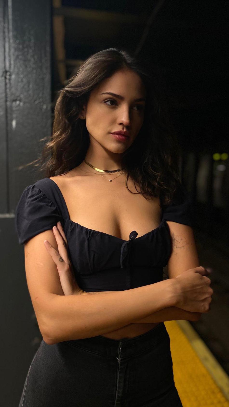 Actress Eiza Gonzalez 2020 4K Ultra HD Mobile Wallpaper