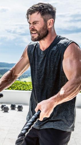 Chris Hemsworth Workout 4K Ultra HD Mobile Wallpaper