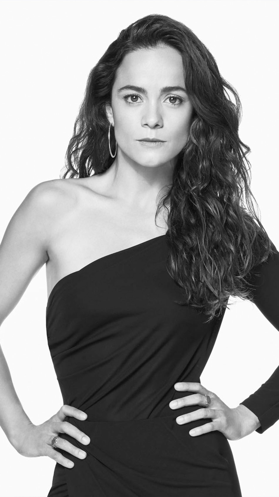 Brazilian Actress Alice Braga 2021 Black & White 4K Ultra HD Mobile Wallpaper