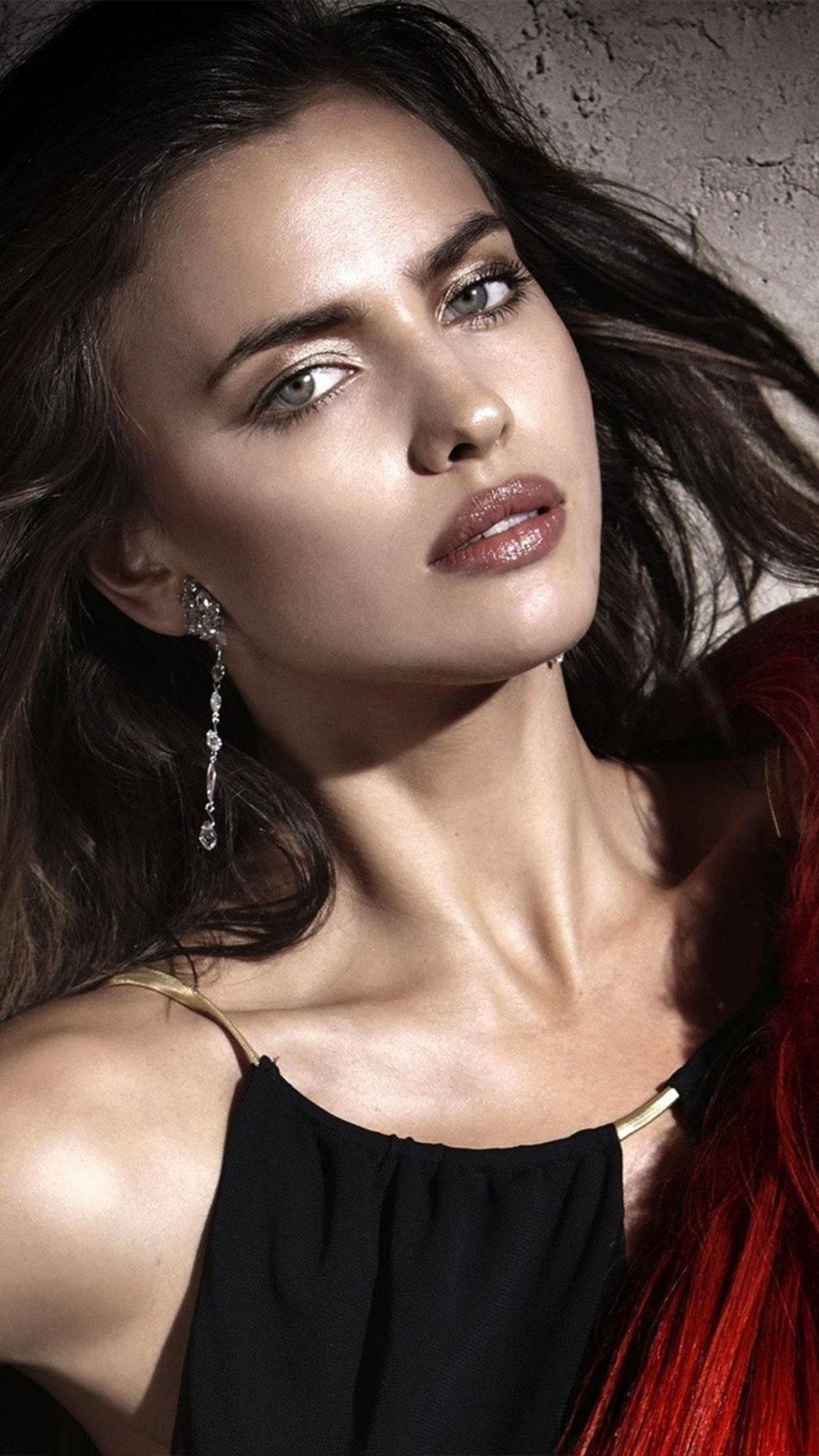 Model Irina Shayk 2021 4K Ultra HD Mobile Wallpaper
