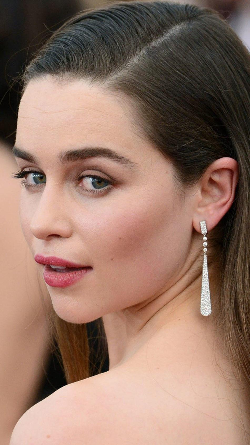 GOT Actress Emilia Clarke 4K Ultra HD Mobile Wallpaper